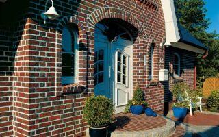 Отделка фасада кирпичом — максимальная долговечность