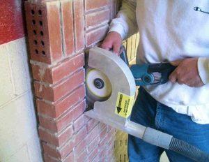 вырезать углубление в стене с помощью болгарки